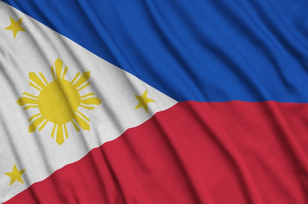 Drapeau des philippines avec beaucoup de plis.