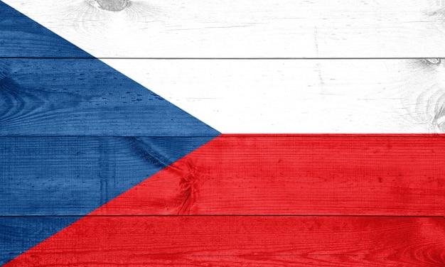 Drapeau de la république tchèque sur la texture du bois