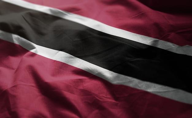 Drapeau de trinité-et-tobago froissé de près