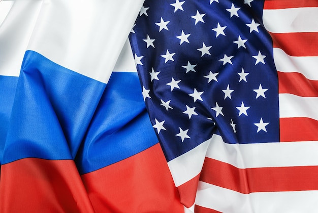 Drapeau usa et drapeau russie