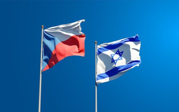 Drapeaux d'état d'israël et de république tchèque ensemble sur fond de ciel