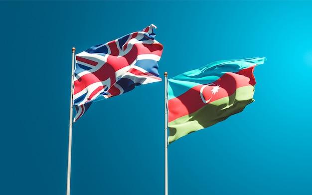 Drapeaux des états nationaux du royaume-uni et de l'azerbaïdjan ensemble