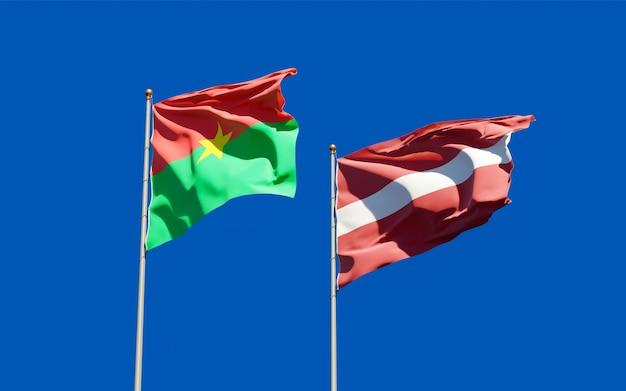 Drapeaux de la lettonie et du burkina faso