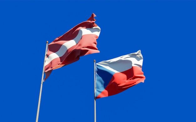 Drapeaux de la lettonie et du tchèque.