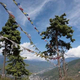Drapeaux de prière, thimphu, bhoutan