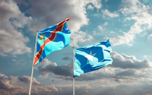 Drapeaux de la somalie et de la rd congo sur fond de ciel