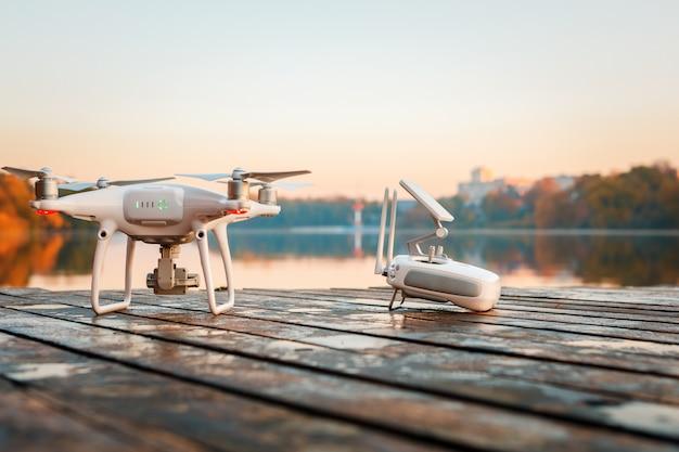 Drone, appareil photo, flou, rivière, automne