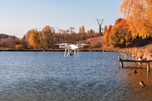 Drone avec appareil photo numérique