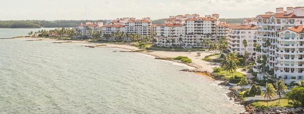 Drone, vue aérienne, de, appartements, dans, fisher island