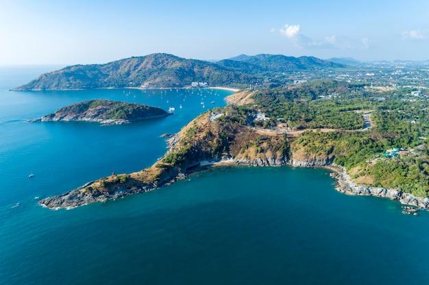 Drone vue aérienne de beaux paysages de la mer d'andaman en saison estivale