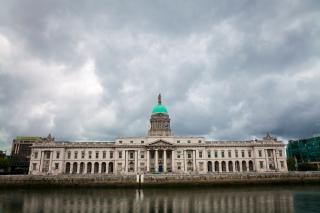 Dublin custom house scène