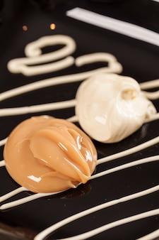 Dulce de leche avec fromage à la crème, (doce de leite) un bonbon fait à partir de lait, fabriqué au brésil et en argentine.