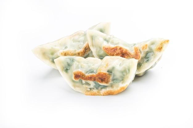 Dumpling frit isolé sur blanc