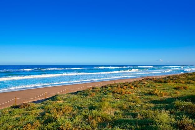 Dunes de la plage de tavernes de valldigna à valence