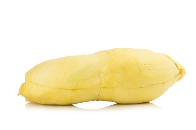 Durian. roi fruit. pelé. isolé sur fond blanc