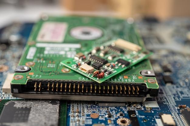 E-déchets électroniques, carte mère de processeur de circuit informatique.