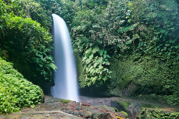 L'eau de l'île de bali