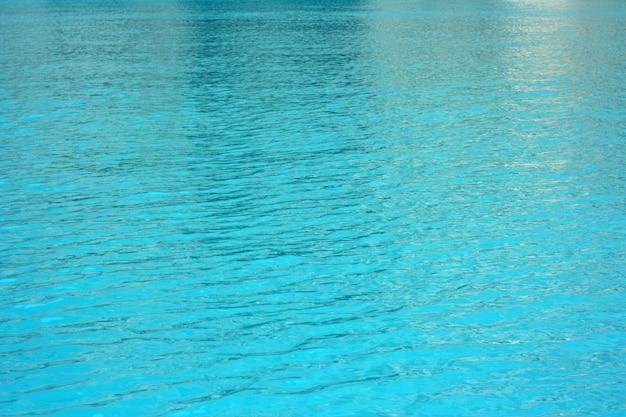Eau de mer bleue naturelle abstraite