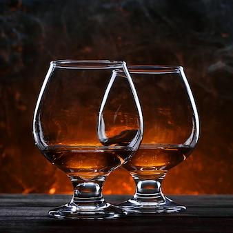 Eau de vie française luxueuse et chère dans un verre