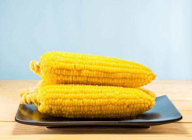 Ébullition de maïs jaune