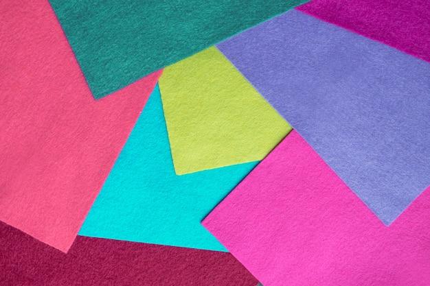 Échantillons de lamelles en feutre doux de différentes couleurs