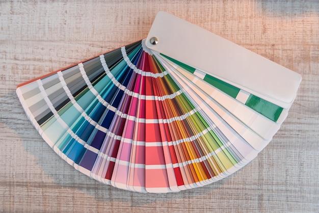 Échantillons de palette de spectre de guide de couleur, catalogue de teinture, papier arc-en-ciel à choix multiple