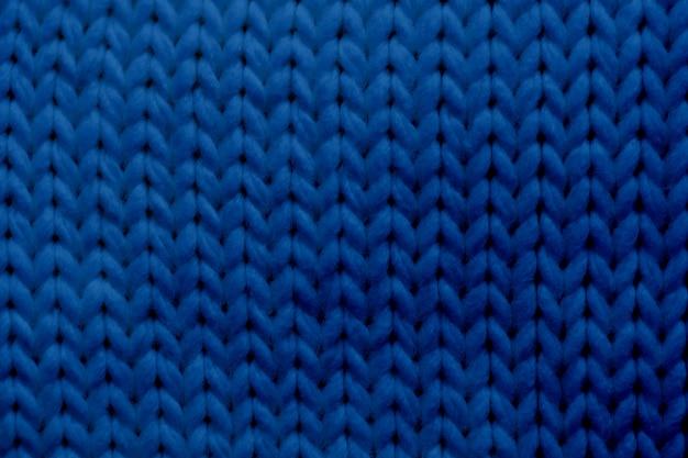 Écharpe tricotée à texture bleue classique