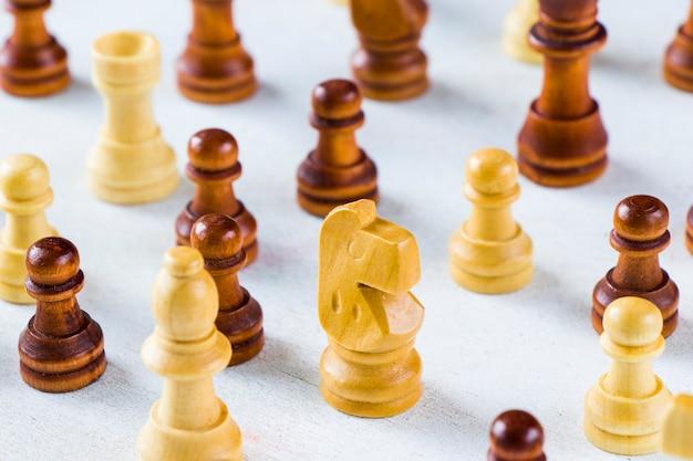 Échec et mat et chiffres gros plan, jeu de société