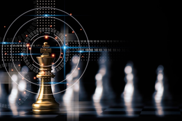 Les échecs du roi d'or se tiennent devant d'autres pièces d'échecs. travail d'équipe et concept de planification de stratégie marketing.