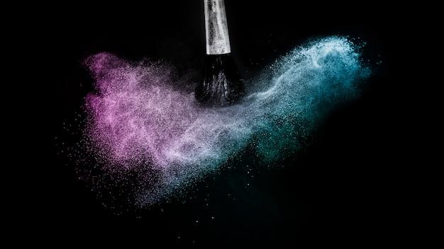 Éclaboussure de couleur de poudre océan bleu et violet