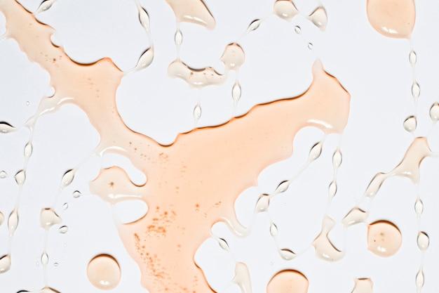 Éclaboussure d'eau orange