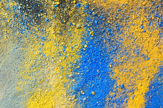 Une éclaboussure de poudre de pigment de couleur naturelle pastel
