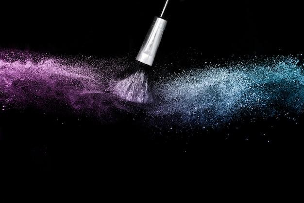 Éclaboussures de couleur poudre océan bleu et violet