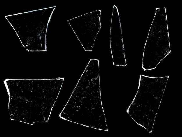 Des éclats de verre isolés sur fond noir. photo de haute qualité