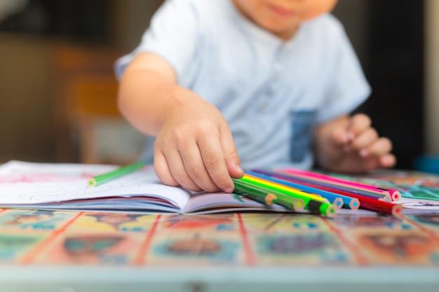 L'école à la maison est l'éducation de nouveau choix