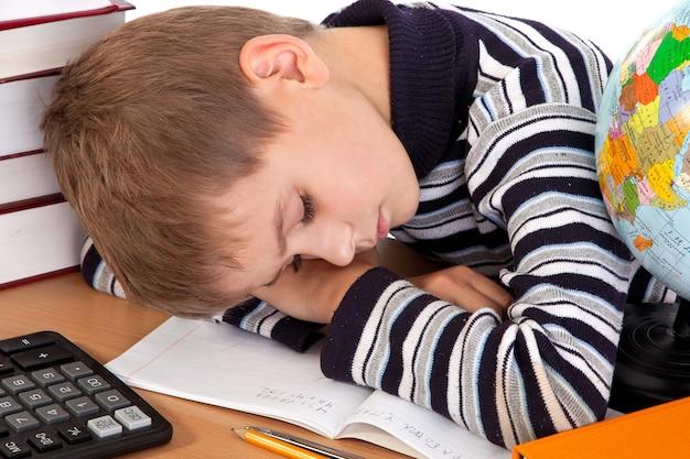 Écolier dort