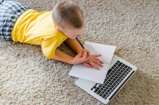 Écolier, étudier, maison, ordinateur portable