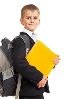Écolier avec un sac à dos isolé