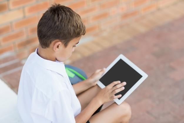 Écolier, séance, couloir, utilisation, tablette numérique