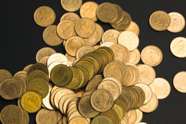 Économies, augmentation des colonnes de pièces