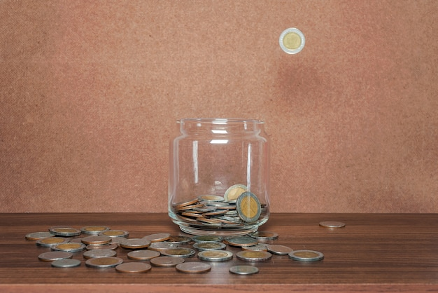 Économisez de l'argent et compte bancaire