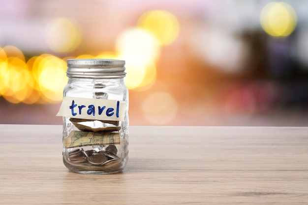 Économisez de l'argent pour voyager.
