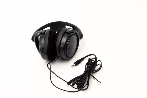 Écouteurs sur fond blanc