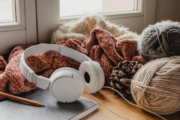 Écouteurs grand angle et agenda avec fil