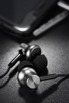 Écouteurs métalliques