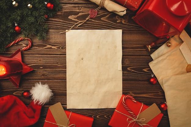 Écrire une lettre à santa composiiton dans un style vintage avec plume