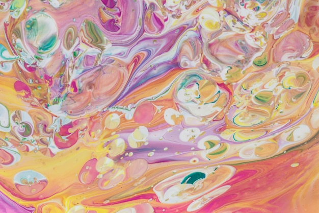 Effet acrylique abstrait de bulles et de vagues colorées