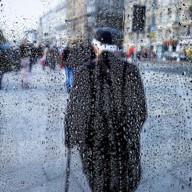 Effet de pluie sur fond urbain