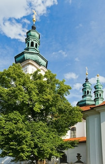 Église abbatiale de strahov-monastère. basilique de l'assomption de la vierge marie