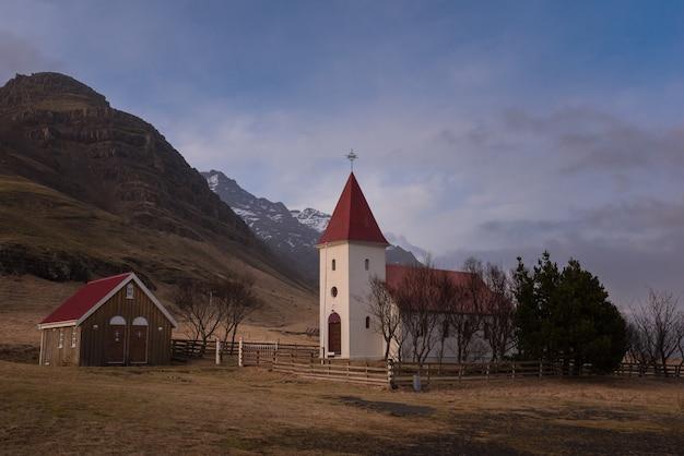 Église historique de kálfafellsstadur